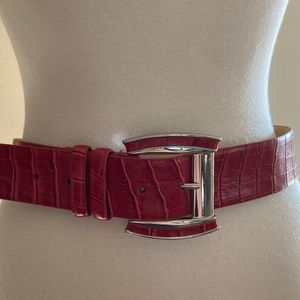 Oscar De la Renta Red Leather Belt . L